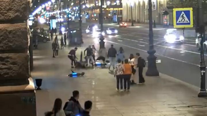Задержан парень, на электросамокате сбивавший людей в центре Питера