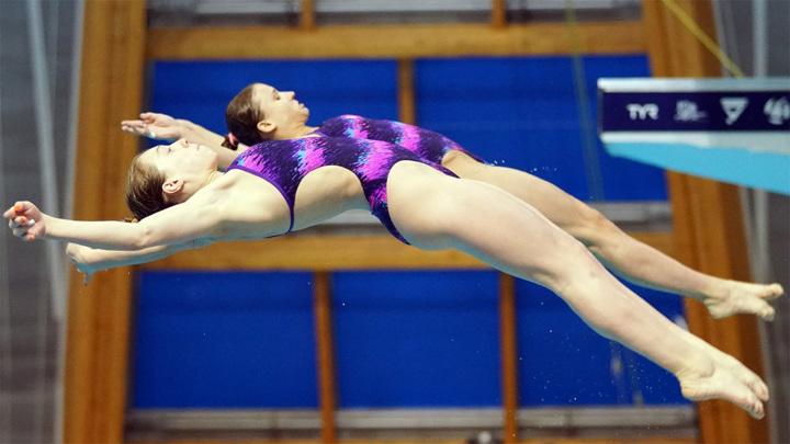 Прыжки в воду. Клюева и Королева с бронзой водного Евро-2021
