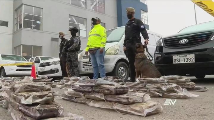 Наркодилеры в Эквадоре пытались отправить в Россию бананы с кокаином