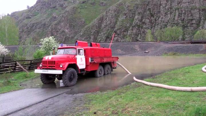 Пик паводка в Хакасии пройден, вода пошла на спад
