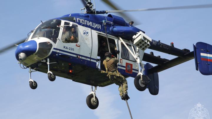 Два росгвардейца сорвались с вертолета под Мурманском и погибли