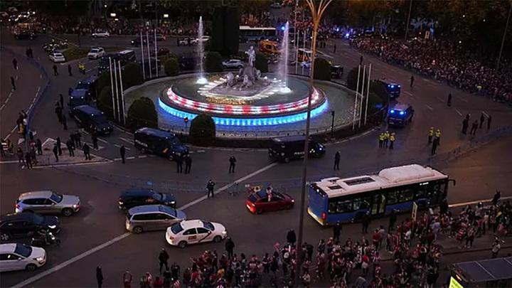 """Юный болельщик погиб в Мадриде, празднуя титул """"Атлетико"""""""