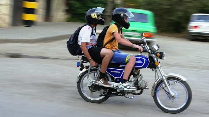 """""""Три метра над уровнем неба"""": подросток на мотоцикле устроил погоню в Иркутской области"""