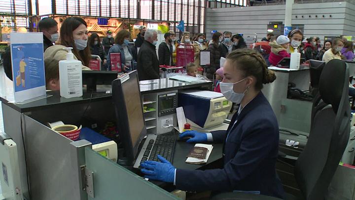 В Минцифры предложили регистрировать пассажиров на рейсы без паспорта