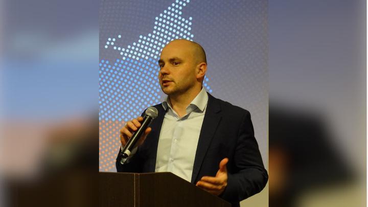 """Бывшего директора """"Открытой России"""" сняли с самолета в Пулкове"""