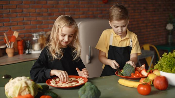 Учёные оценили плюсы и минусы вегетарианской и веганской диет.