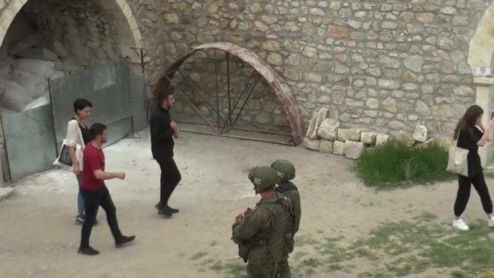 Миротворцы РФ сопроводили паломников в монастырь Амарас в Карабахе