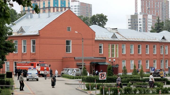 Пациентов рязанской больницы от дыма спасли кислородные маски