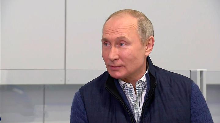Путин о встрече с Зеленским: мы соседи, и у нас есть темы для разговора с Украиной