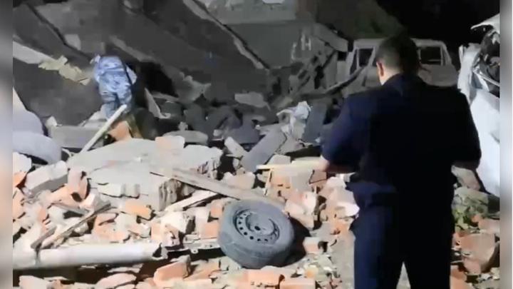 Один человек погиб и двое ранены после взрыва в краснодарском гараже