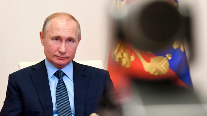 Путин: финансирование спорта должно постоянно расти