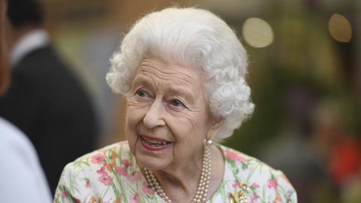 Елизавета II отметила официальный 95-й день рождения