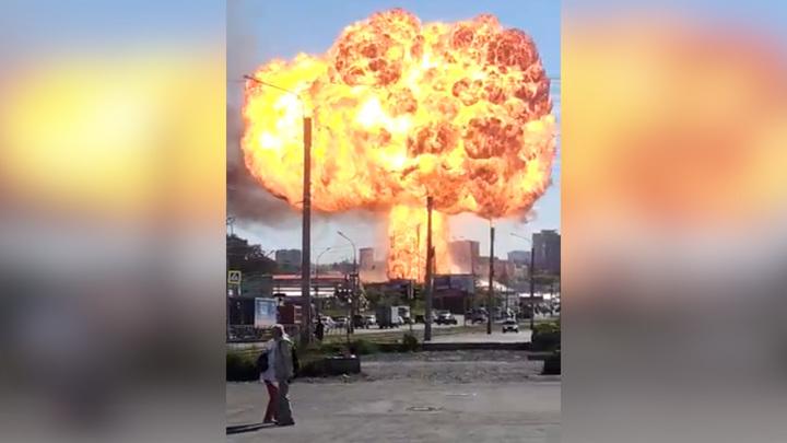 Число пострадавших от взрывов на заправке в Новосибирске увеличилось