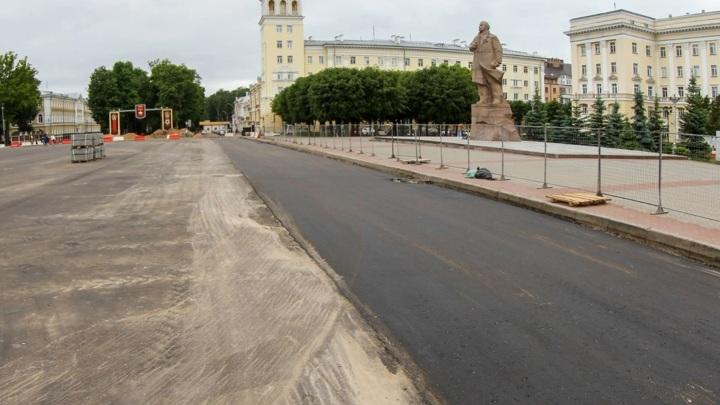 В Смоленске на площади Ленина скоро можно будет пройтись по новой брусчатке