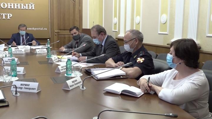 Новые ограничения: омские власти отреагировали на рост числа заболевших COVID-19
