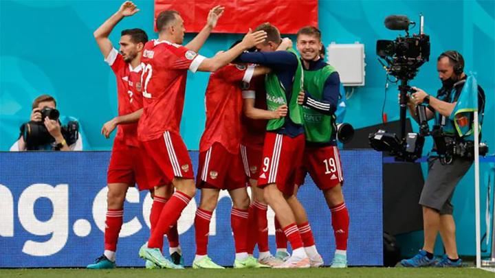Гол Миранчука вывел Россию вперед в матче с Финляндией