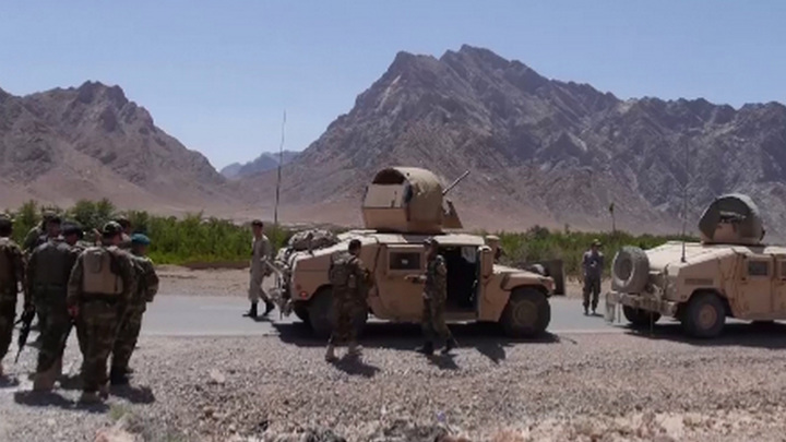 Талибы осадили три военные базы на западе Афганистана
