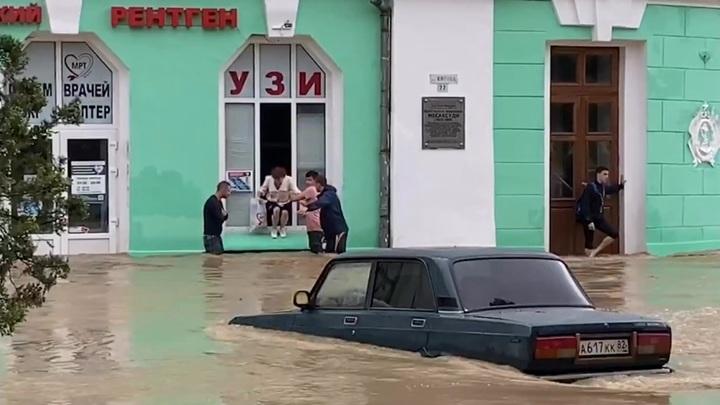 Генпрокурор взял на контроль ликвидацию последствий потопа в Крыму