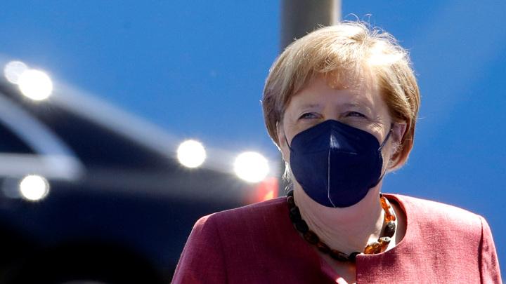Меркель: мы нуждаемся в диалоге с Россией
