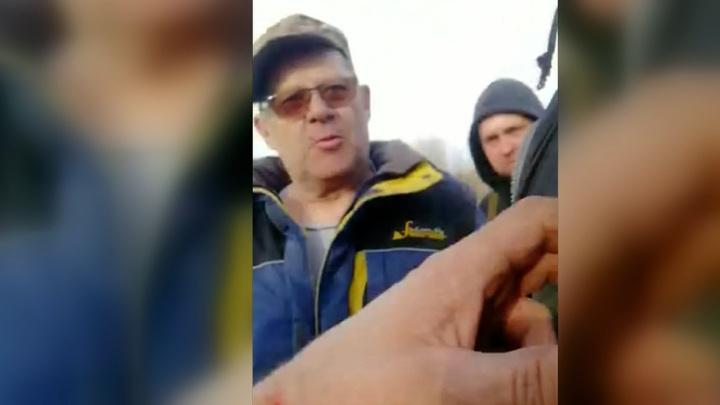 Бизнесмен, пристав и экс-чиновник избили инспектора