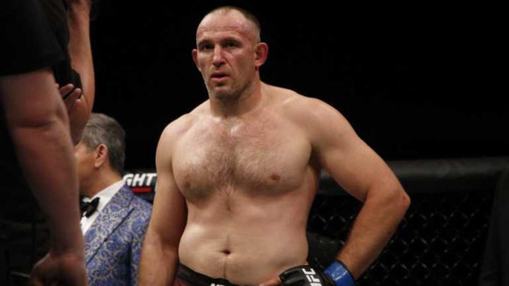 Олейник проиграл Спиваку бой UFC, оставшись без 60-й победы в ММА