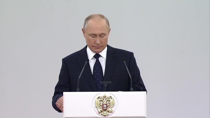 Путин: в условиях пандемии Госдума функционировала без пауз