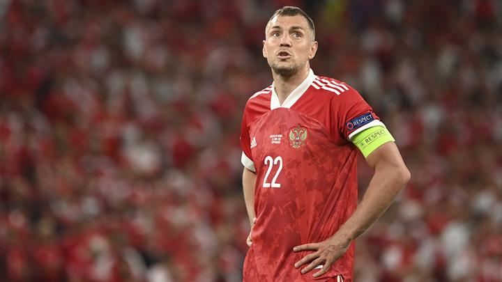 Валерий Карпин готов пригласить Артема Дзюбу в команду в ноябре