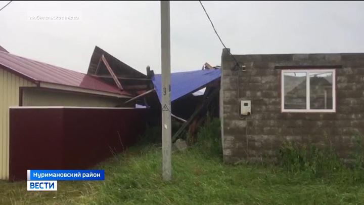 По Башкирии прошелся ураган и сорвал крыши частных домой
