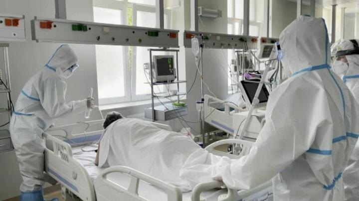 80 человек эвакуировали из центра для COVID-пациентов в Москве из-за пожара