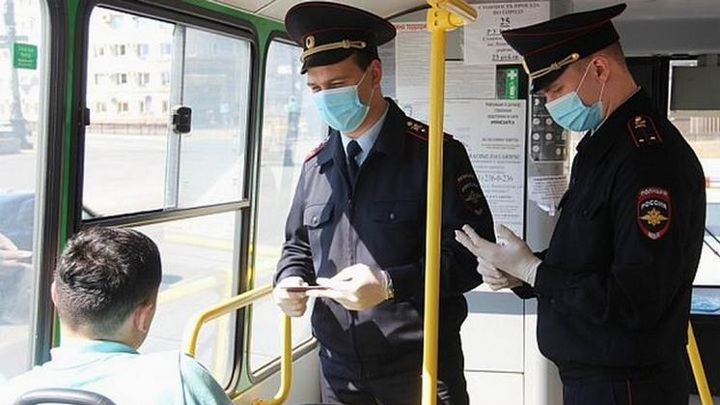 В Новосибирске полиция задержала во время рейда дебошира без маски
