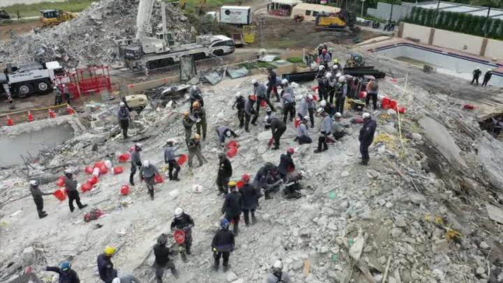 Во Флориде завершены поиски погибших при обрушении дома