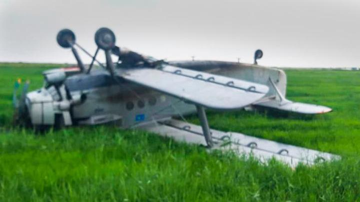 В Казахстане упал Ан-2: пилоты выжили