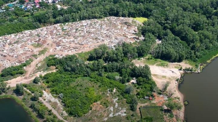 """""""Гора мусора"""": в Самаре незаконная свалка наносит огромный урон экологии"""