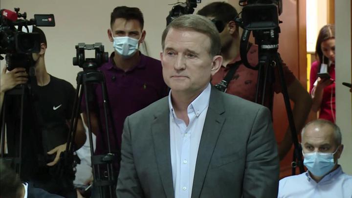 Суд в Киеве продлил круглосуточный домашний арест Медведчука до 9 сентября