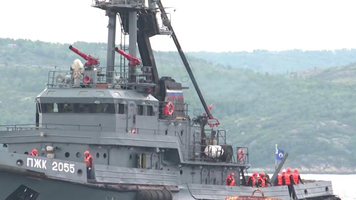 Северный флот провел учения в Кольском заливе