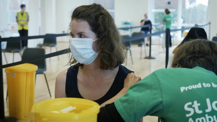 Вакцинированные россияне смогут свободно приезжать в Венгрию