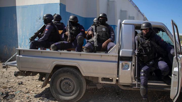 На Гаити растет список арестованных по делу об убийстве президента