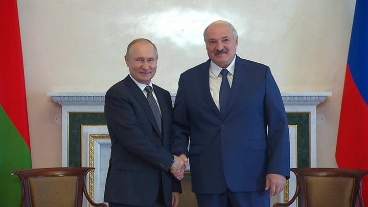 В Санкт-Петербурге начались переговоры президентовРоссии и Белоруссии