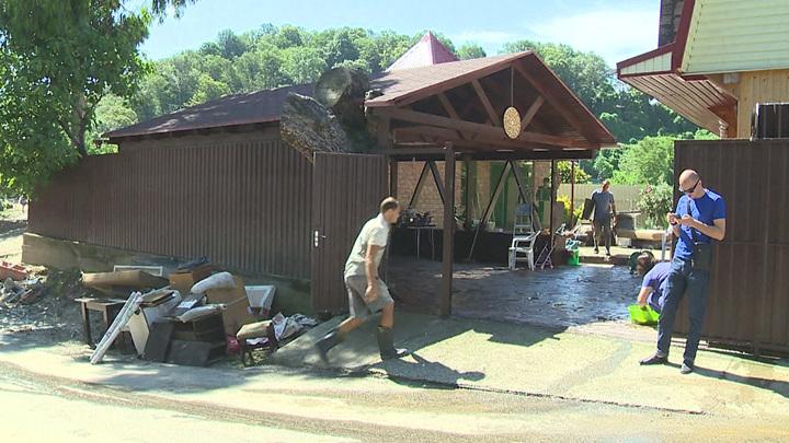 Более 95% пострадавшим от затоплений сочинцам выплатили материальную помощь