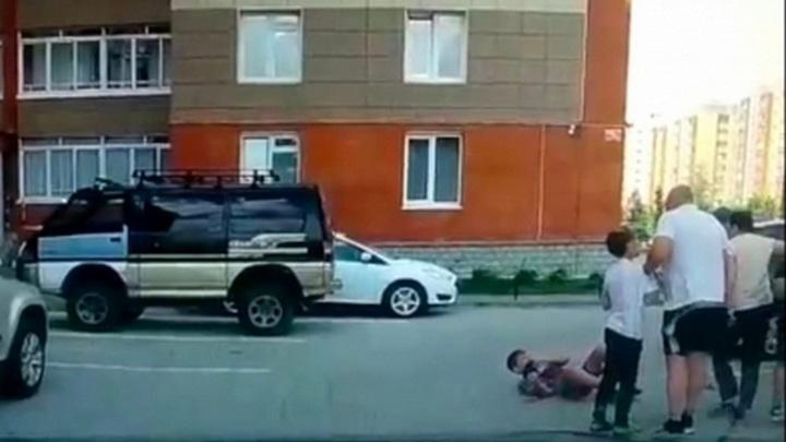 Сибиряк ударил чужого ребенка. Возбуждено уголовное дело
