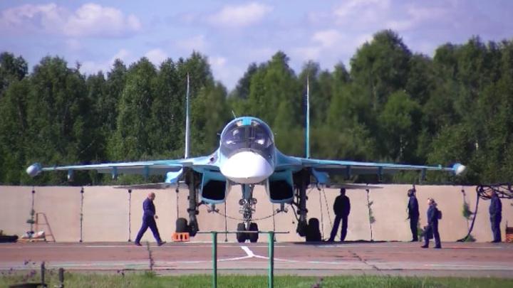 Защитники небес: на Урале юные летчики впервые взмыли в небо на Су-34