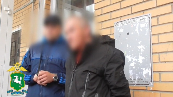 Расчлененное тело женщины нашли в подъезде дома под Томском