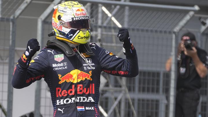 Ферстаппен завоевал поул-позицию на Гран-при Великобритании