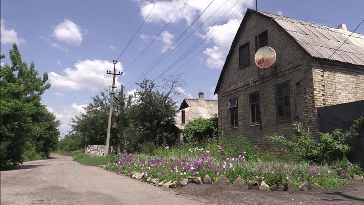 Донбасс: в прифронтовых поселках миром и не пахнет