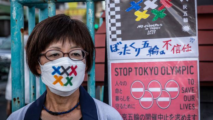 Хроники коронавируса: французы митингуют, Япония готовится к Играм