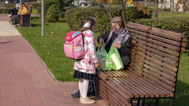 Президент поручил досрочно начать выплаты для школьников