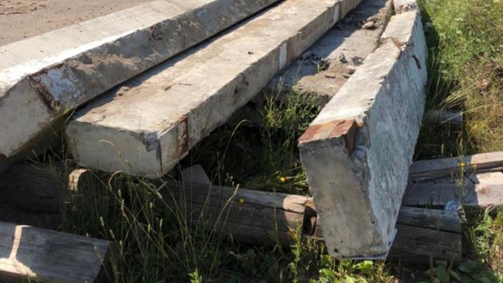 В Костромской области бетонная плита придавила двух детей