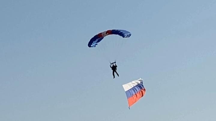 Смоленские парашютисты поддержали российских спортсменов перед Олимпиадой