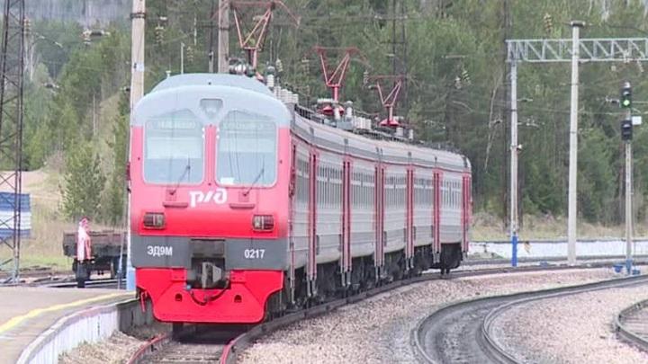 В Красноярском крае полиция вынесла дебошира из поезда на станции Иланская