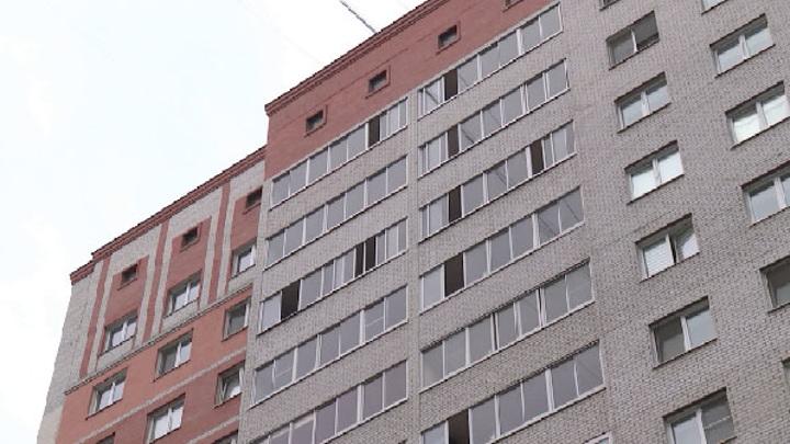 В Екатеринбурге 6-летний ребенок выпал из окна